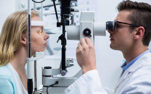 Зачем нужно проверять зрение?
